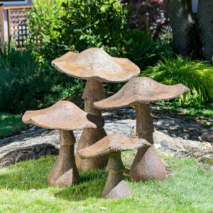 garden mushrooms ornament